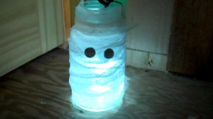 Mason Jar Mummy Halloween Craft