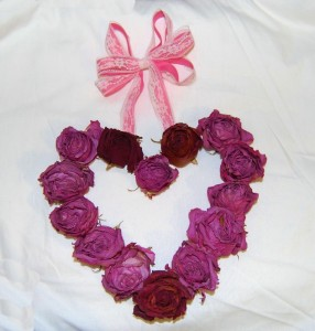 Quick and Easy Valentine Heart Roses Wreath
