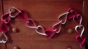 Super Easy Valentine's Day Hearts Garland