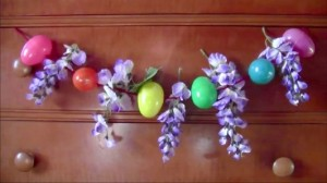 Super Easy DIY Easter Egg Garland